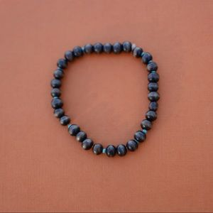 Jewelry - Wood and turquoise glass bead bracelet